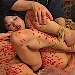 Osada Steve forces a pair of Asian beauties through terrible pain and shame